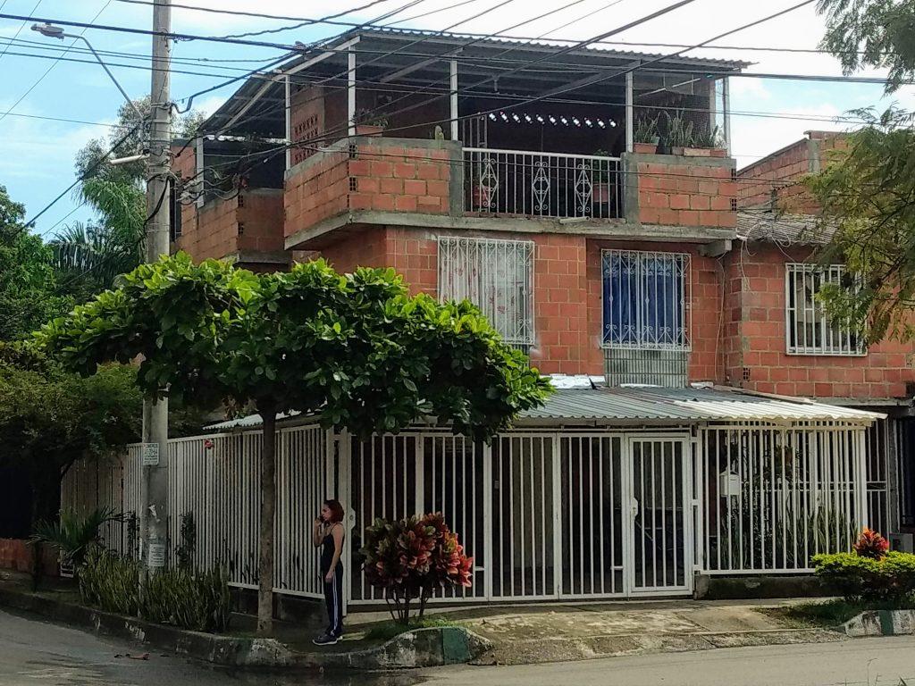casa de tres niveles en venta cantabria jamundi